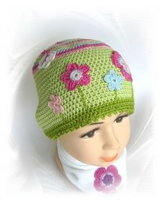 Mütze Blumenwiese, Häkelmütze mit Häkelblumen