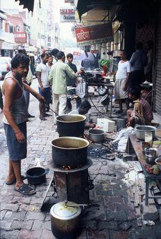 India - Delhi - street food       Photographed by Renato Siani