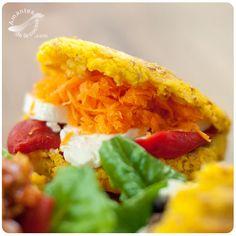 Arepas de zanahoria y linaza dorada. http://amantesdelacocina.com/cocina/2016/07/arepas-zanahoria-linaza/