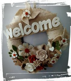 Non solo fiocchi ...fuori porta shabby Sheep Crafts, Felt Crafts, Paper Crafts, Felt Flower Wreaths, Felt Flowers, Hydrangea Wreath, Fun Crafts For Kids, Diy And Crafts, Floral Hoops