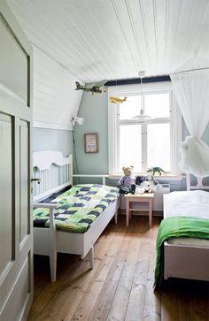 Pihapiirin rauhassa   Koti ja keittiö Scandinavian Home, Koti, Bed, Homes, Furniture, Home Decor, Houses, Decoration Home, Stream Bed