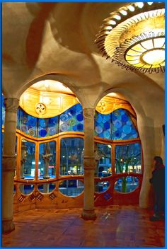 Architecture - Antoni Gaudi - Art Nouveau - Modernisme Catalan - Casa Batlló - inspired by nature where there are no Right Angles. Beautiful Architecture, Beautiful Buildings, Art And Architecture, Architecture Details, Beautiful Places, Modern Buildings, Amazing Places, Gaudi Barcelona, Barcelona Catalonia
