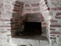 >> Vieux four a pain intérieur / XVII è