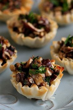 Mini Mushroom & Gorgonzola Bites. Get in my belly immediately.