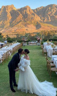 Wedding Goals, Wedding Themes, Wedding Venues, Wedding Photos, Wedding Planning, Wedding Day, Wedding Rings, Bridezilla, Italy Wedding
