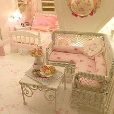 Evening snack in the miniature attic bedroom?Evening snack in the miniature attic bedroom? Miniature Rooms, Miniature Furniture, Doll Furniture, Dollhouse Furniture, Furniture Projects, Pink Dollhouse, Dollhouse Miniatures, Victorian Dolls, Home And Deco