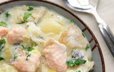 Saumon et pommes de terre à la crème au Cookéo. Pour 4 PersonnesPréparation : 10mCuisson : 15mPrêt En : 25m Les pommes de terre et le saumon se marient très bien, accompagnés d'une crème fraiche cela est juste délicieux ! Je vous laisse alors découvrir cette recette en détails et vous souhaite bon appétit en avance