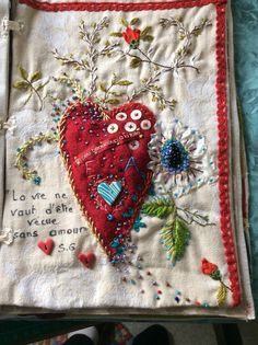 heart on fabric book page Embroidery Art, Embroidery Applique, Embroidery Stitches, Embroidery Patterns, Fabric Journals, Fabric Books, Fabric Hearts, Stitch Book, Handmade Books