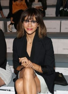 Actress Rashida Jones attends the Derek Lam Spring 2011 fashion show during Mercedes-Benz Fashion Week at The Stage at Lincoln Center on September 2010 in New York City. Rashida Jones, Only Fashion, Fashion Week, Mercedes Benz, Girls With Glasses, Geek Chic, Girls Wear, Preppy Style, Looking Gorgeous