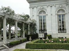 Garden at the Rosecliff Mansion in Newport