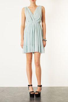 Mint blue dress for a bridesmaid www.happilywedding.com