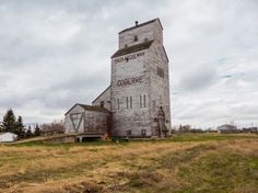 It's May 2014. Connie and myself are on whirlwind back road tour of southwest Saskatchewan. Our goal this trip was to capture all things old...