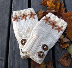 White fingerless gloves knit merino wool arm warmers / by MaruWool, €19.00