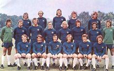 Team pics 1968-1975 Chelsea Fc Team, Chelsea Fc Players, Chelsea Football, Football Team, Team Pictures, Team Photos, Typhoo, Stamford Bridge, Old London