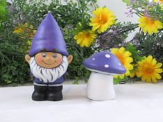 This irresistibly cute gnome comes with his own little toadstool mushroom and is painted in a friendly purple colour. The set comes together and can
