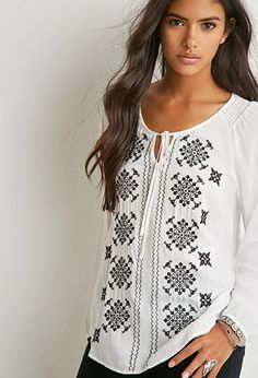 Forever 21 is the authority on fashion & the go-to retailer for the latest trends, styles & the hottest deals. Shop dresses, tops, tees, leggings & more! Peasant Blouse, Peasant Tops, Blouse Patterns, Blouse Designs, Boho Fashion, Fashion Dresses, Mexican Shirts, Sewing Blouses, Bohemian Mode
