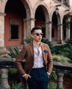 BLAKE SCOTT – GO BOLD WITH YOUR SUIT Trendy Mens Fashion, Mens Fashion Suits, Stylish Men, Men's Fashion, Business Casual Men, Business Outfits, Men Casual, Smart Casual, Blazer Outfits Men