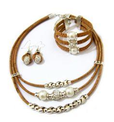 cce1233720c Parure en Liège -Collier-Bracelet-Boucles D oreilles perles blanches