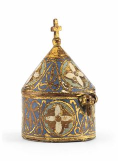 AN ENAMEL AND GILT-COPPER PYX, LIMOGES, MID 13TH CENTURY.
