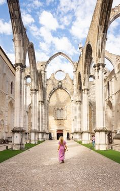 Visit the Carmo Convent in Lisbon, Portugal plus 29 other incredible things to do in Lisbon. - By Wandering Wheatleys ( Visit Portugal, Portugal Travel, Lisbon Nightlife, Lisbon City, Day Trips From Lisbon, Unique Architecture, Vacation Spots, Wonders Of The World, Lisbon Portugal
