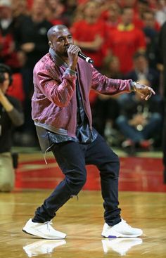 Ye performing #AllDay at the Bulls game