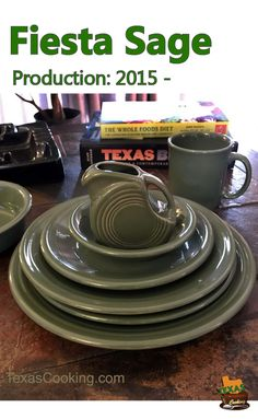 Talking about Sage Fiestaware dishes and items, the popular Fiesta dinnerware color since includes produced pieces, production dates, auctions. Whole Food Diet, Whole Food Recipes, Vintage Dishes, Vintage Kitchen, Antique Hoosier Cabinet, Fiesta Kitchen, 1920s Interior Design, Hgtv Dream Homes, Green Kitchen Cabinets