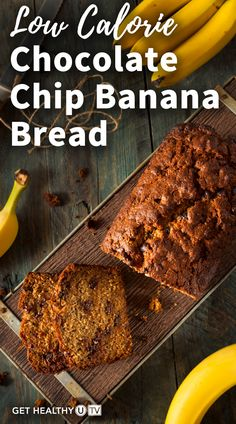 Check out this healthy chocolate chip banana bread that's made with simple ingredients and less sugar. Low Calorie Chocolate, Healthy Chocolate, Breakfast Items, Breakfast Recipes, Protein Donuts, Eating Well, Clean Eating, Fast Foods, Chocolate Chip Banana Bread