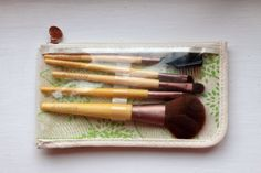 Little Miss Lifestyle UK Beauty and Lifestyle Blog: Review: EcoTools | Bamboo 6 Piece Brush Set |