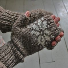 Snow Dear mitts Knitting pattern perfect for Winter! Find this mitten pattern and more inspiration for a cozy season at LoveKnitting.