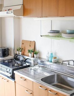 Rent from ¥83,000/month! Clean and furnished sharehouse at a fantastic central Tokyo location. With easy access to the city's main areas this is a great opportunity to live at a prime Tokyo location for excellent value for money. The extremely safe and pleasant area of Gaienmae has lots of stylish restaurants, plenty of sports facilities (Golf, Tennis, Stadiums and a Gym) and is a very green area with parks and many trees. Shibuya Tokyo, Kitchen Cabinets, Kitchen Appliances, Easy Access, Parks, Opportunity, Tennis, Restaurants, Golf