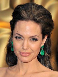 Angelina Jolie Hairstyles   February 22, 2009   DailyMakeover.com