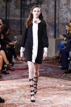 Gucci Resort 2016 Fashion Show - Allie Barrett