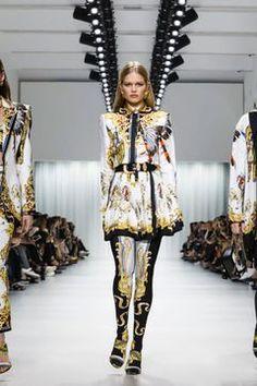 Versace Ready To Wear Spring Summer 2018 Milan Runway Fashion, Fashion News, Latest Fashion, Fashion Show, Alberta Ferretti, Spring Summer 2018, Viera, Live Fashion, Versace