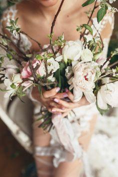 #bride #morning #boudoir #photoshoot #wedding #weddinginspiration #weddingideas #fineartwedding
