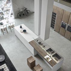 Fehér modern loft  - konyha / étkező ötlet