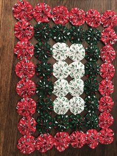 Fuxicos para enfeitar a casa Quilt Square Patterns, Hand Quilting Patterns, Quilting Designs, Christmas Quilting Projects, Christmas Crafts, Cute Sewing Projects, Sewing Crafts, Halloween Quilt Kits, Project Place