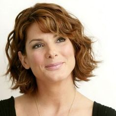 Love Hairstyles for short curly hair? wanna give your hair a new look? Hairstyles for short curly hair is a good choice for you. this Popular short wavy hairstyles & short hairstyles for wavy hair. Short Wavy Hairstyles For Women, Wavy Haircuts, Cool Hairstyles, Haircut Short, Hairstyle Ideas, Layered Hairstyles, Glasses Hairstyles, Crop Haircut, Perfect Hairstyle