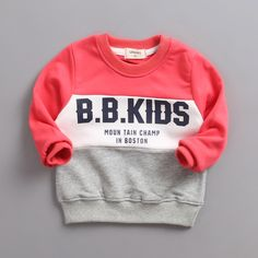 The new children roundneck Cotton Terry spell color all-match hoodies. Sports and leisure style special offer - - Sports Mom Shirts, Boys T Shirts, Toddler Boy Outfits, Kids Outfits, Matching Hoodies, Kids Girls Tops, Boys Clothes Style, Boy Models, Kids Fashion Boy
