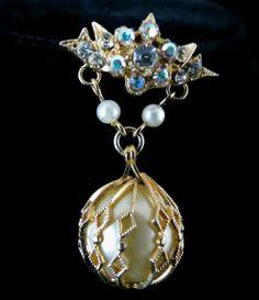 Vintage Brooch Stunning Gold Tone Faux Pearl and Rhinestone Dangle | eBay