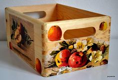 Jabĺčková prepravka by Pupavkashop - SAShE. Pallet Tray, Apple Boxes, Decoupage Wood, Pallet Creations, Diy Box, Wood Boxes, Painting On Wood, Decor Crafts, Decorative Boxes