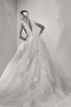 Robe de mariée de la collection Elie Saab bridal 2017 ❥Pinterest: yarenak67