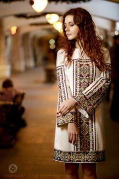 Chernikova added a new photo. Folk Fashion, Ethnic Fashion, Hijab Fashion, Fashion Dresses, Womens Fashion, Embroidery Fashion, Embroidery Dress, Ukrainian Dress, Ethno Style