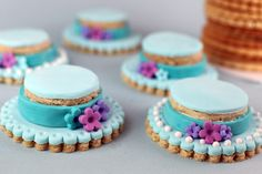 hat cookie decorating | Derby Hat cookies on Bakerella (okay she calls them Easter bonnets, I ...