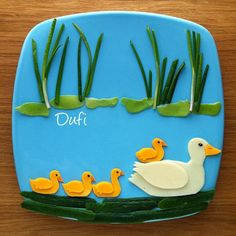 Mama Duckie & her baby duckies by @dufi77