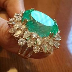 Diamond Rings : Columbian Emerald and Diamonds ~ Farah Khan Fine Jewellery. - Buy Me Diamond Emerald Jewelry, Gemstone Jewelry, Diamond Jewelry, Gold Jewelry, Jewelry Box, Jewelry Accessories, Fine Jewelry, Jewelry Design, Jewellery