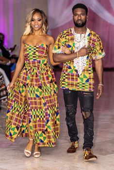 The Makemba Kente top and skirt set it perfect for any occasion! It comes with a fitted bodice top and maxi skirt with a slit. Please contact us if you do not prefer a slit or if you have any questions. Couples African Outfits, Couple Outfits, African Attire, African Wear, African Style, African Print Fashion, Ethnic Fashion, Fashion Prints, Ankara Fashion