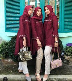 New Dress Modest Casual Lace Ideas Kebaya Modern Hijab, Kebaya Hijab, Batik Kebaya, Kebaya Dress, Kebaya Muslim, Batik Dress, Kebaya Brokat, Dress Pesta, Lace Dress