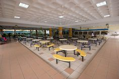 Large School Canteen interior design.cafe idea for indoor playground