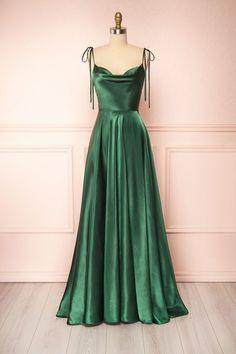 Pretty Prom Dresses, Simple Prom Dress, Mom Dress, Grad Dresses, Ball Dresses, Dream Dress, Ball Gowns, Long Dresses, Wedding Dresses