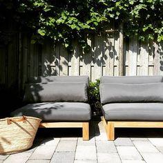 Teak Loungemeubelen uit de ROYAL DESIGN Collectie.  http://www.royaldesign.nl/lounge-tuinmeubelen/teak-lounge-meubelen/silloungebankmidden/SIL001/C/1472